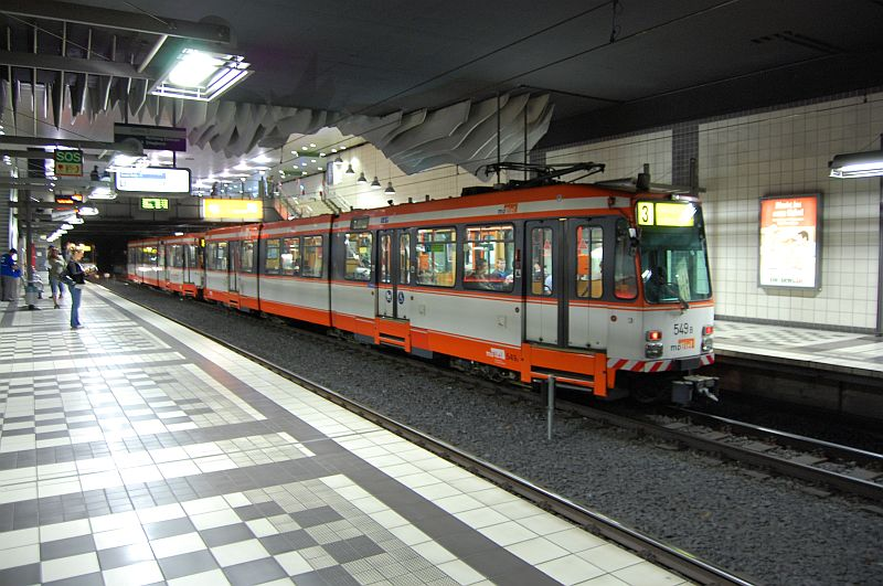 http://www.wiesloch-kurpfalz.de/Strassenbahn/Bilder/normal/Bielefeld/bielefeld_28.jpg
