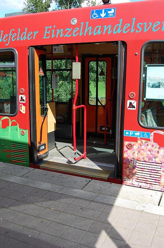 http://www.wiesloch-kurpfalz.de/Strassenbahn/Bilder/normal/Bielefeld/bielefeld_35.jpg
