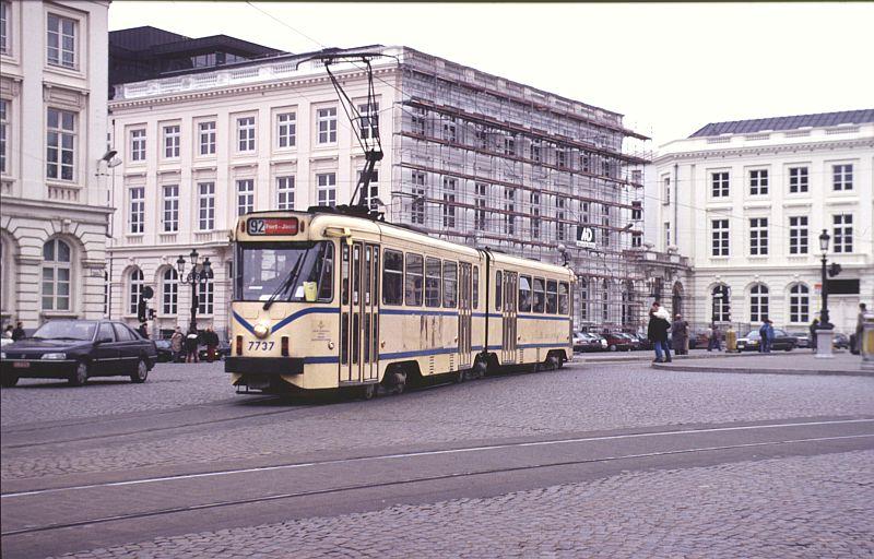 http://www.wiesloch-kurpfalz.de/Strassenbahn/Bilder/normal/Bruessel/93x202.jpg