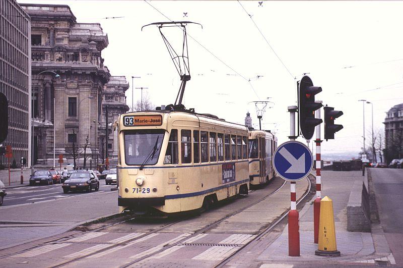 http://www.wiesloch-kurpfalz.de/Strassenbahn/Bilder/normal/Bruessel/93x206.jpg