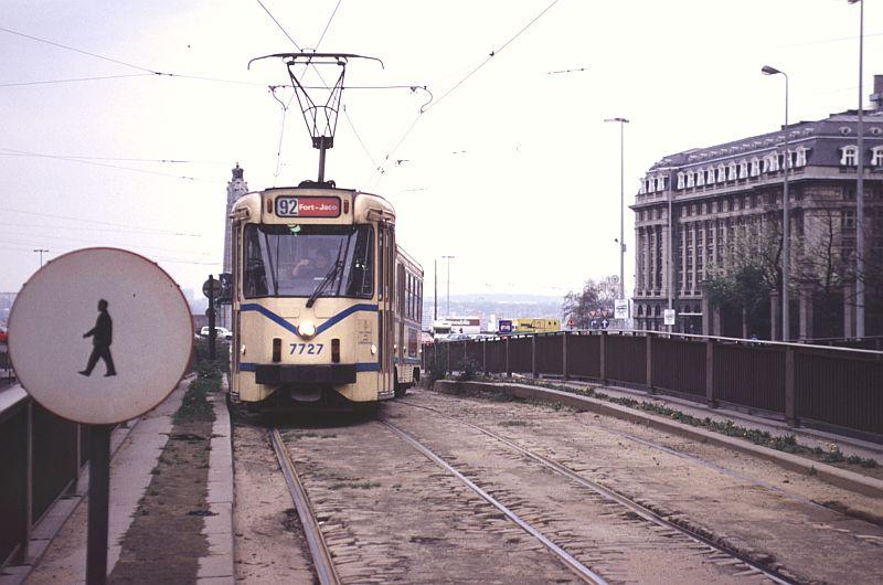 http://www.wiesloch-kurpfalz.de/Strassenbahn/Bilder/normal/Bruessel/93x213.jpg