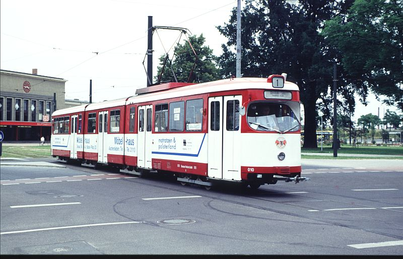 http://www.wiesloch-kurpfalz.de/Strassenbahn/Bilder/normal/Dessau/95x446.jpg