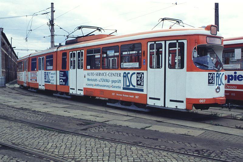 http://www.wiesloch-kurpfalz.de/Strassenbahn/Bilder/normal/Dessau/95x842.jpg