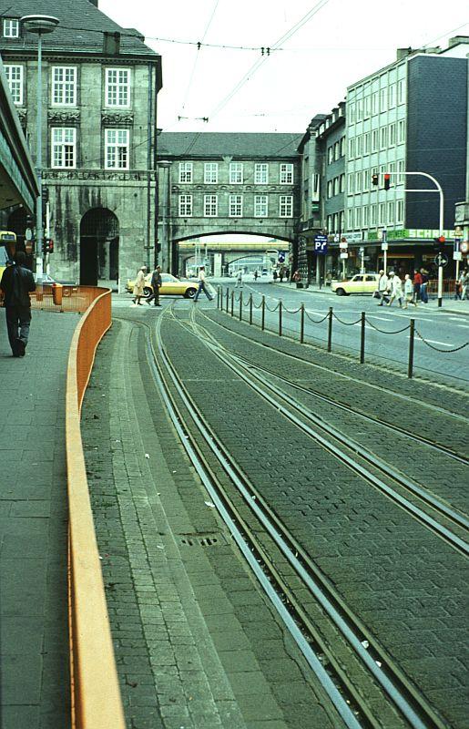 http://www.wiesloch-kurpfalz.de/Strassenbahn/Bilder/normal/Duisburg/77x198.jpg