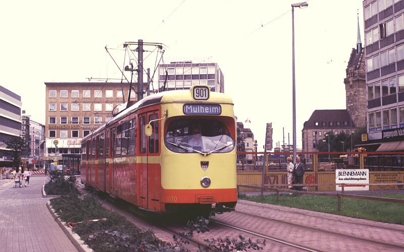 http://www.wiesloch-kurpfalz.de/Strassenbahn/Bilder/normal/Duisburg/87x497.jpg