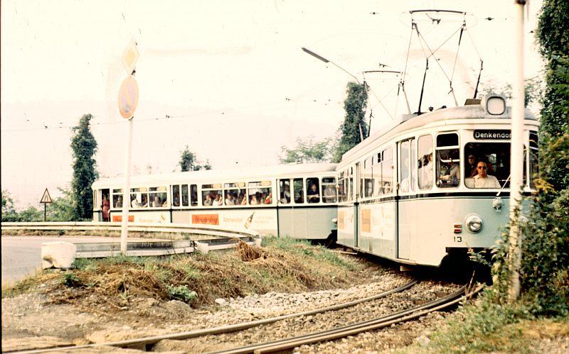 http://www.wiesloch-kurpfalz.de/Strassenbahn/Bilder/normal/Esslingen/73x388.jpg