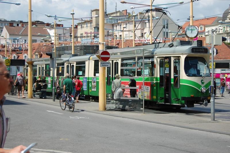 http://www.wiesloch-kurpfalz.de/Strassenbahn/Bilder/normal/Graz/09x0660.jpg