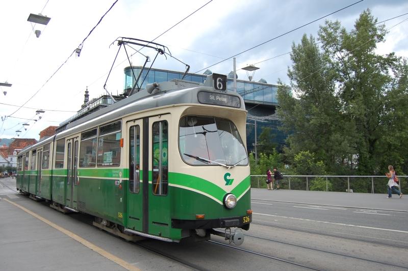 http://www.wiesloch-kurpfalz.de/Strassenbahn/Bilder/normal/Graz/09x0694.jpg