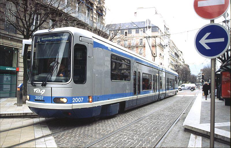 http://www.wiesloch-kurpfalz.de/Strassenbahn/Bilder/normal/Grenoble/03x008.jpg