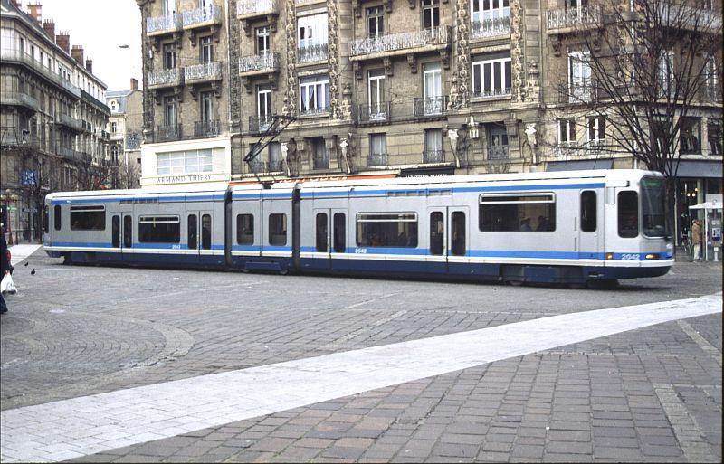 http://www.wiesloch-kurpfalz.de/Strassenbahn/Bilder/normal/Grenoble/03x012.jpg