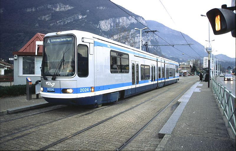 http://www.wiesloch-kurpfalz.de/Strassenbahn/Bilder/normal/Grenoble/03x030.jpg