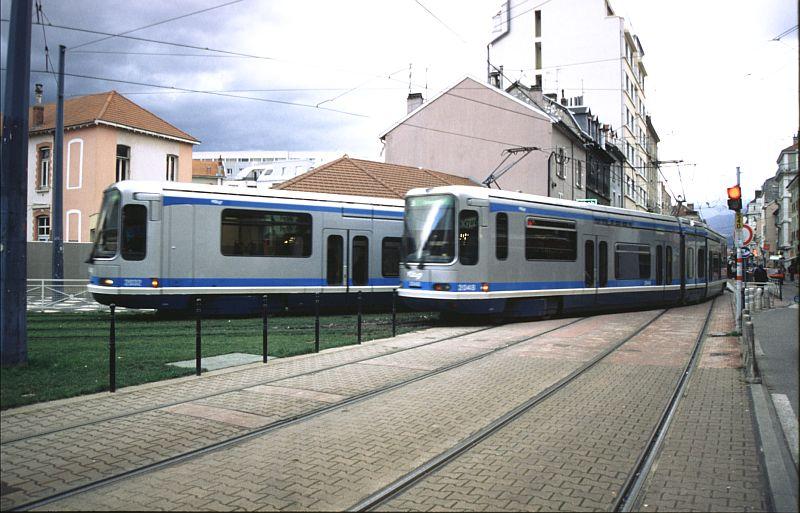 http://www.wiesloch-kurpfalz.de/Strassenbahn/Bilder/normal/Grenoble/03x044.jpg