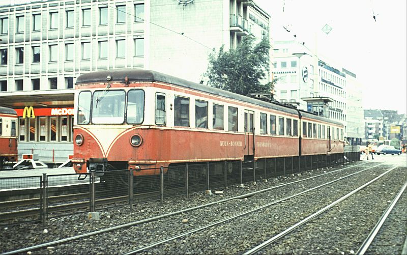 http://www.wiesloch-kurpfalz.de/Strassenbahn/Bilder/normal/KBE/72x035.jpg