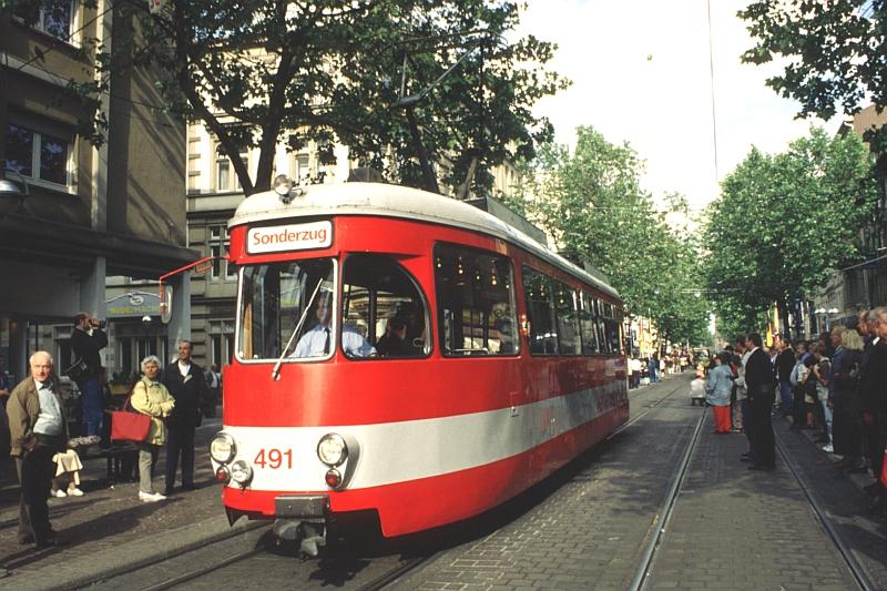 http://www.wiesloch-kurpfalz.de/Strassenbahn/Bilder/normal/Karlsruhe/00x135.jpg
