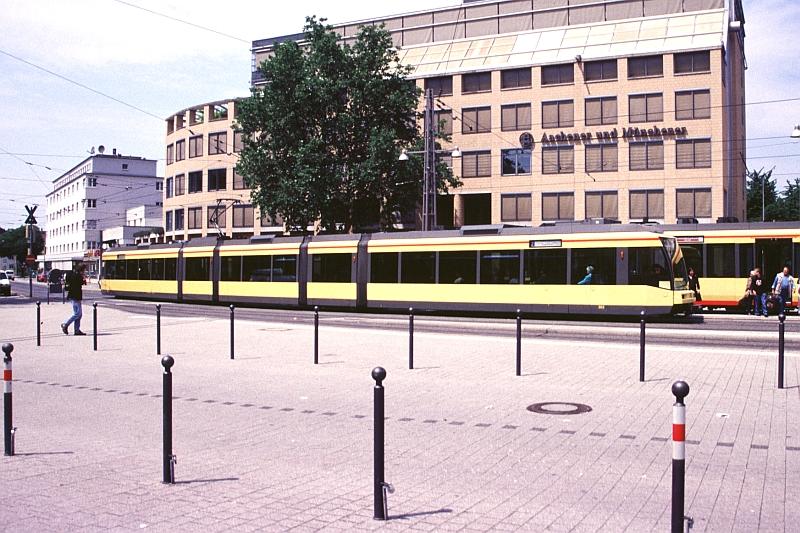 http://www.wiesloch-kurpfalz.de/Strassenbahn/Bilder/normal/Karlsruhe/04x136.jpg