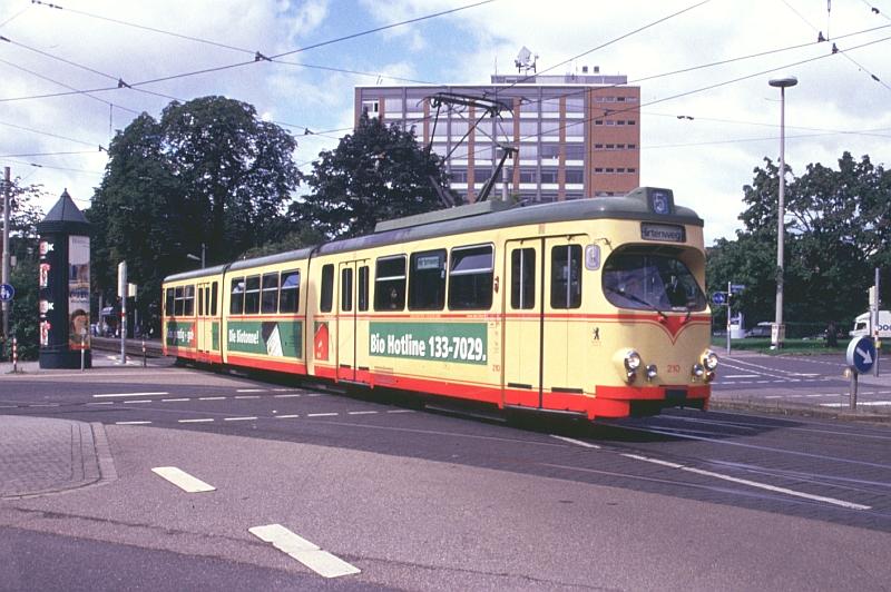 http://www.wiesloch-kurpfalz.de/Strassenbahn/Bilder/normal/Karlsruhe/06x501.jpg