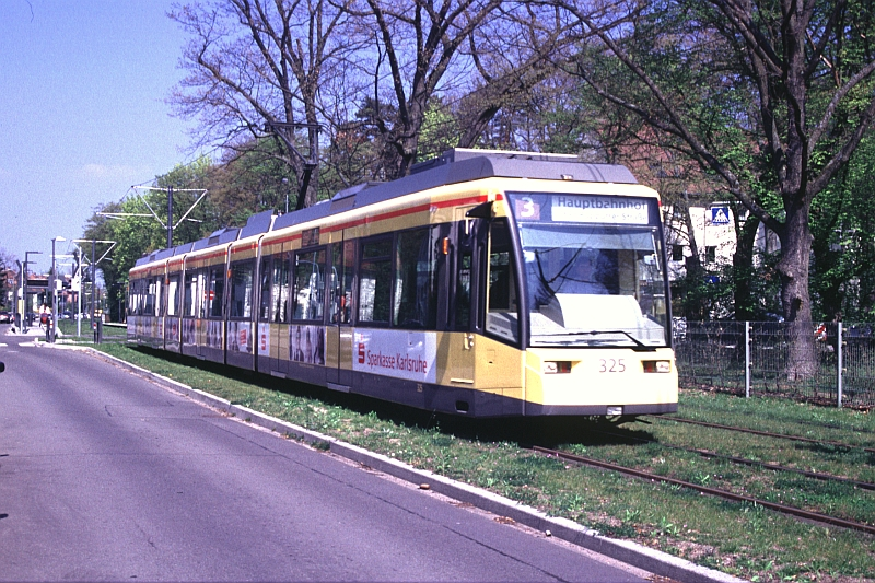 http://www.wiesloch-kurpfalz.de/Strassenbahn/Bilder/normal/Karlsruhe/07x152.jpg