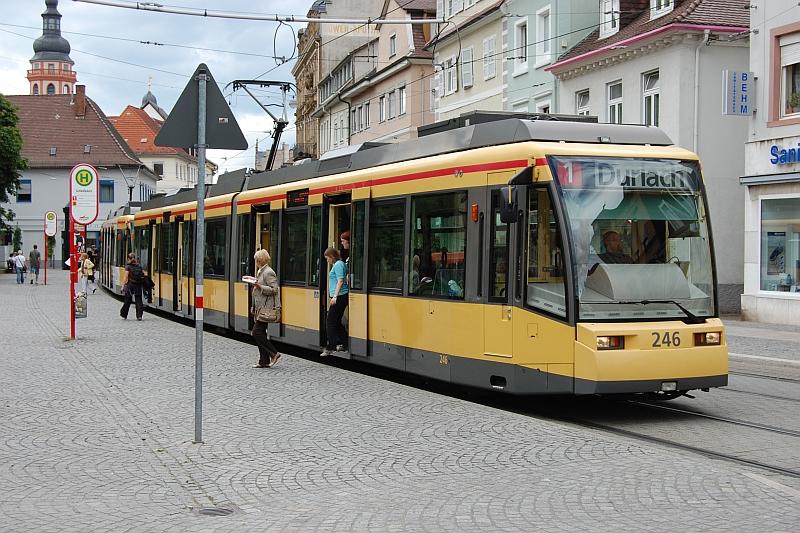 http://www.wiesloch-kurpfalz.de/Strassenbahn/Bilder/normal/Karlsruhe/08x1364.jpg