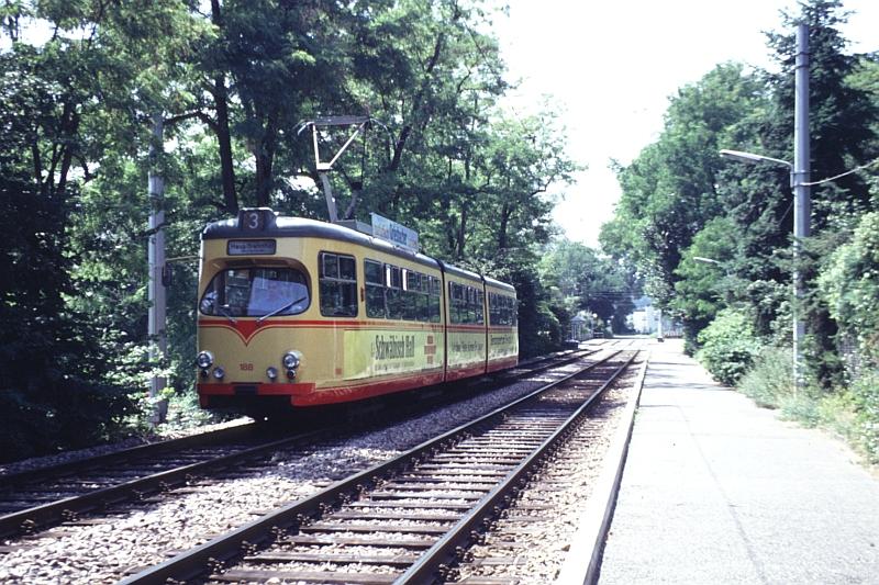 http://www.wiesloch-kurpfalz.de/Strassenbahn/Bilder/normal/Karlsruhe/93x1119.jpg