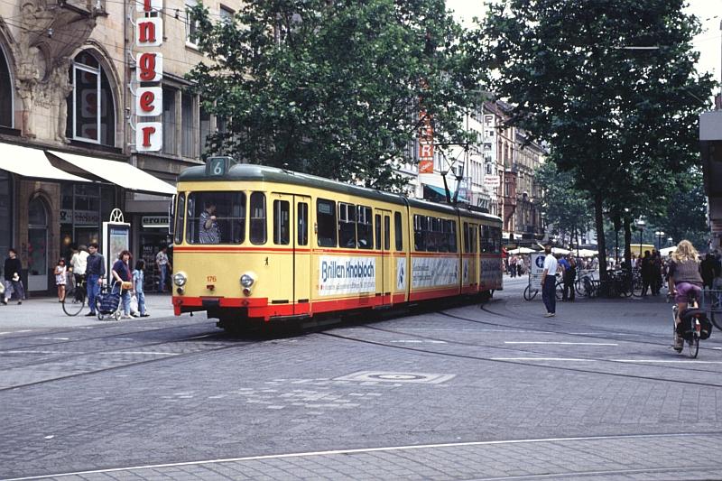 http://www.wiesloch-kurpfalz.de/Strassenbahn/Bilder/normal/Karlsruhe/94x486.jpg