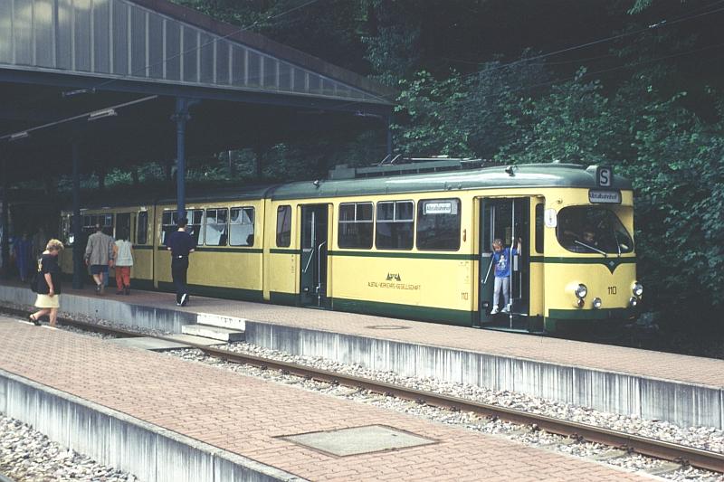 http://www.wiesloch-kurpfalz.de/Strassenbahn/Bilder/normal/Karlsruhe/98x329.jpg