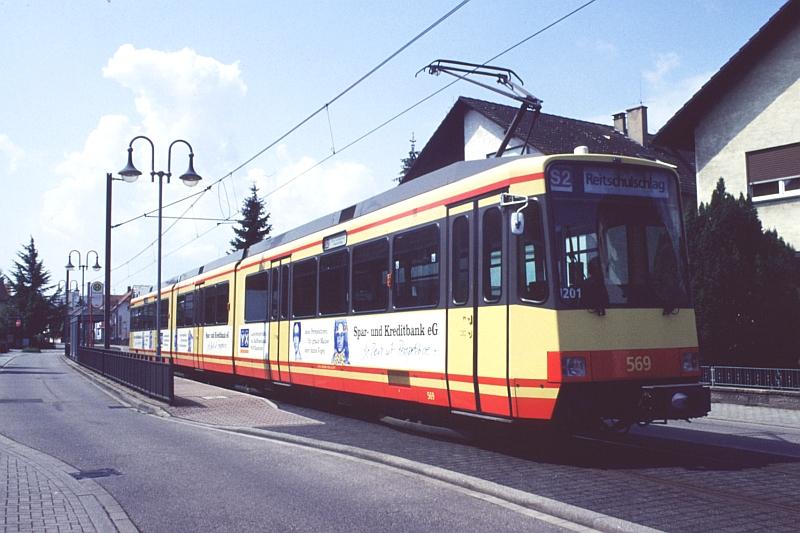 http://www.wiesloch-kurpfalz.de/Strassenbahn/Bilder/normal/Karlsruhe/98x385.jpg