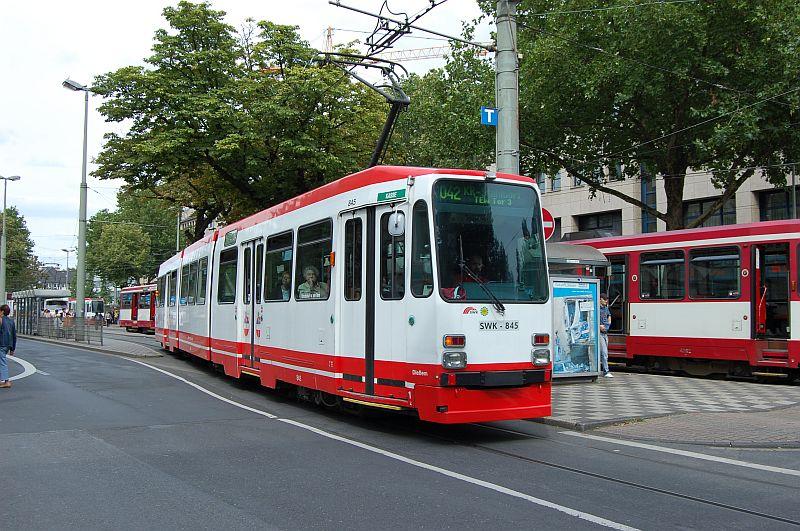 http://www.wiesloch-kurpfalz.de/Strassenbahn/Bilder/normal/Krefeld/07x366.jpg