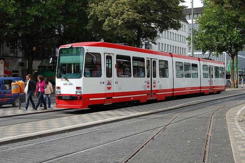 http://www.wiesloch-kurpfalz.de/Strassenbahn/Bilder/normal/Krefeld/07x385.jpg