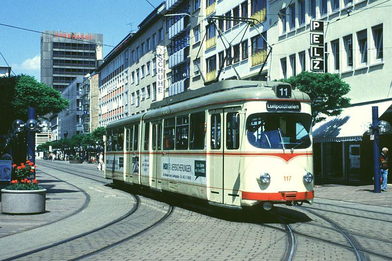 http://www.wiesloch-kurpfalz.de/Strassenbahn/Bilder/normal/Ludwigshafen/97x324.jpg