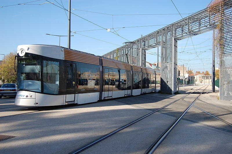 http://www.wiesloch-kurpfalz.de/Strassenbahn/Bilder/normal/Marseille/09x1379.jpg