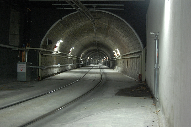 http://www.wiesloch-kurpfalz.de/Strassenbahn/Bilder/normal/Marseille/09x1479.jpg
