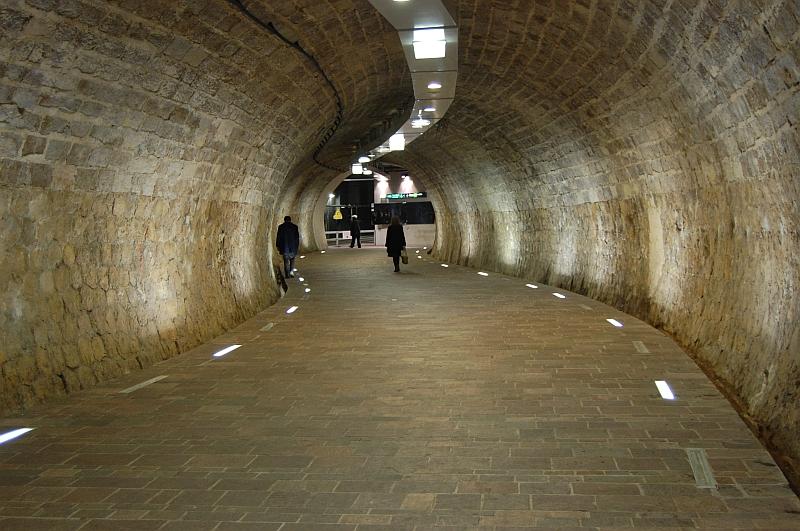 http://www.wiesloch-kurpfalz.de/Strassenbahn/Bilder/normal/Marseille/09x1480.jpg