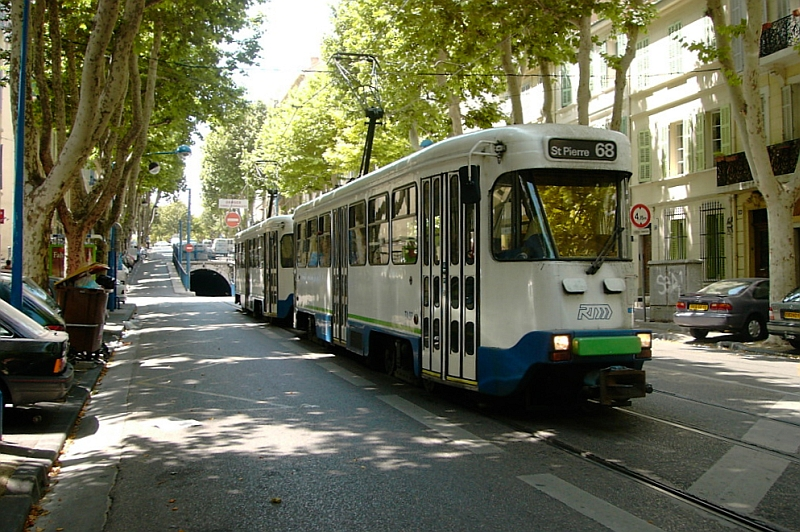 http://www.wiesloch-kurpfalz.de/Strassenbahn/Bilder/normal/Marseille/chavebruys01.jpg