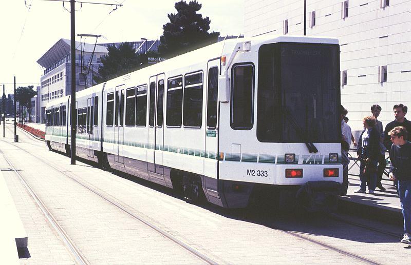 http://www.wiesloch-kurpfalz.de/Strassenbahn/Bilder/normal/Nantes/95x339.jpg
