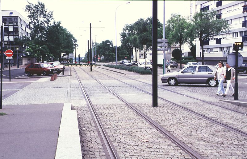 http://www.wiesloch-kurpfalz.de/Strassenbahn/Bilder/normal/Nantes/95x352.jpg