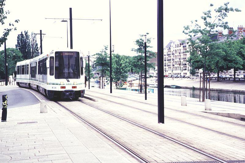 http://www.wiesloch-kurpfalz.de/Strassenbahn/Bilder/normal/Nantes/95x379.jpg