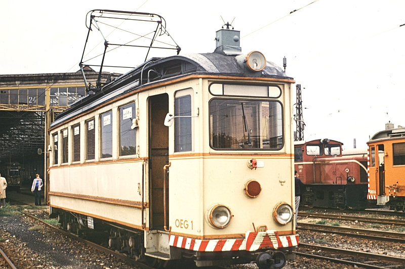 http://www.wiesloch-kurpfalz.de/Strassenbahn/Bilder/normal/OEG/73x147.jpg