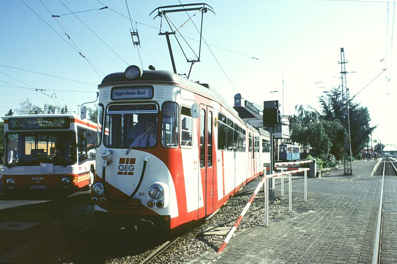 http://www.wiesloch-kurpfalz.de/Strassenbahn/Bilder/normal/OEG/93x0742.jpg