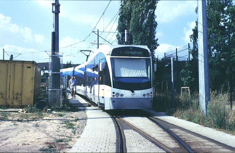 http://www.wiesloch-kurpfalz.de/Strassenbahn/Bilder/normal/Saarbruecken/98x410.jpg