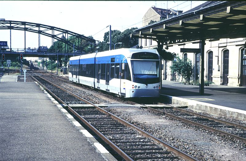 http://www.wiesloch-kurpfalz.de/Strassenbahn/Bilder/normal/Saarbruecken/98x413.jpg
