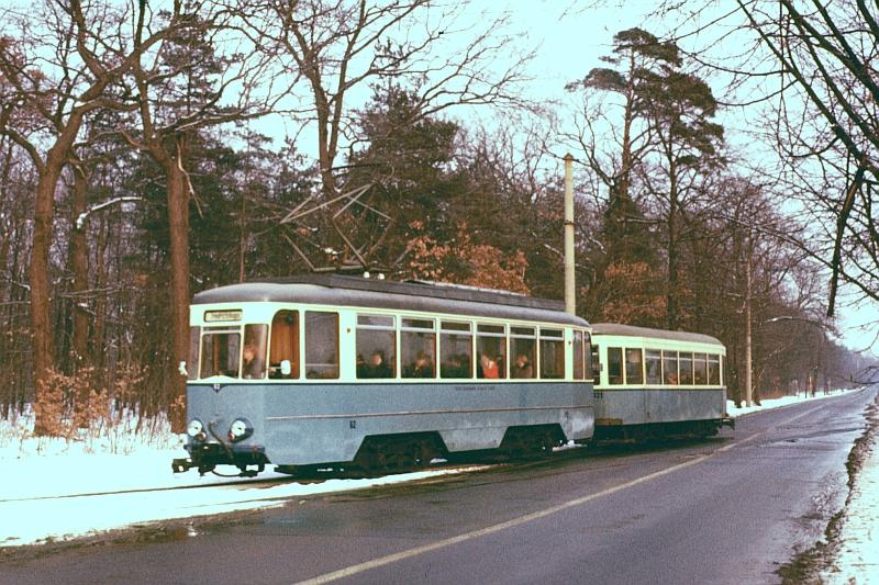 http://www.wiesloch-kurpfalz.de/Strassenbahn/Bilder/normal/Schoeneiche/78x006.jpg