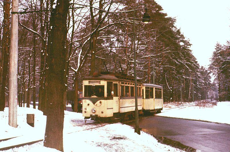 http://www.wiesloch-kurpfalz.de/Strassenbahn/Bilder/normal/Woltersdorf/78x012.jpg